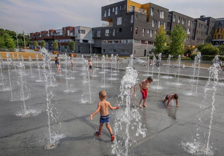 De fonteintjes aan parking Zuiderpromenade spuiten enkel nog in de namiddag water.