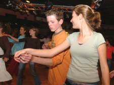 Dansschool Tiggelman viert reünie: tijdens het elfuurtje mag er gezoend worden