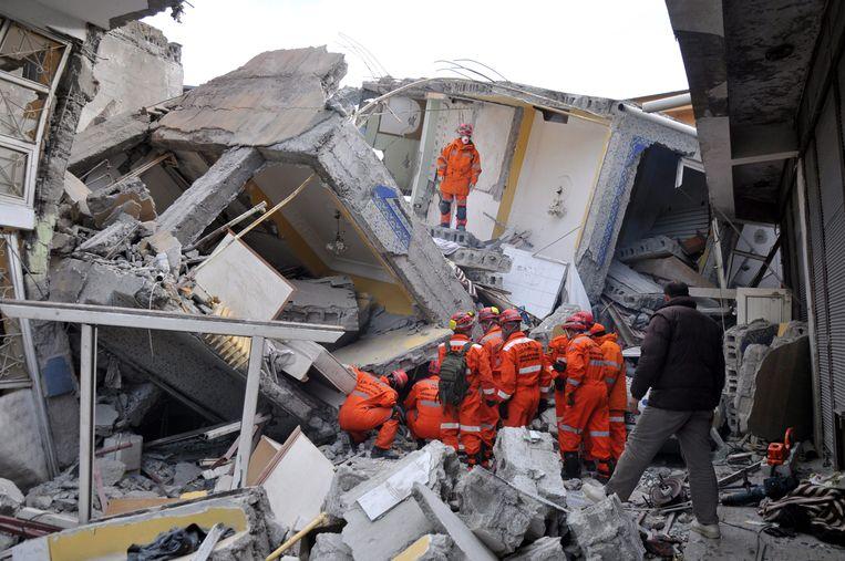 Turkije ligt in een gebied met grote seismische activiteit. In oktober 2011 kostte een aardbeving van 7.2 op de schaal van Richter in de oostelijke regio Van het leven aan zeker 600 mensen. Beeld EPA
