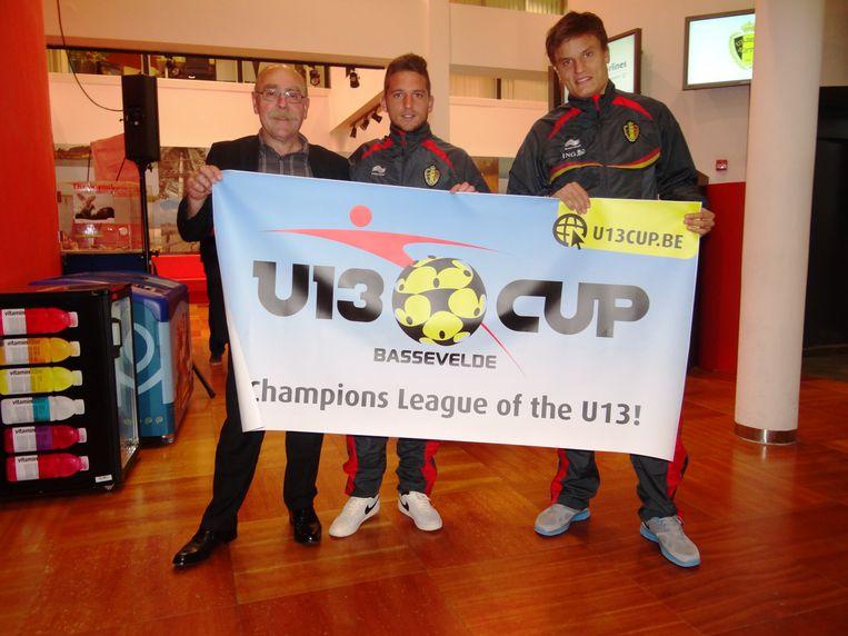 U13Cup-voorzitter John De Prauw, Dries Mertens en Jelle Vossen.