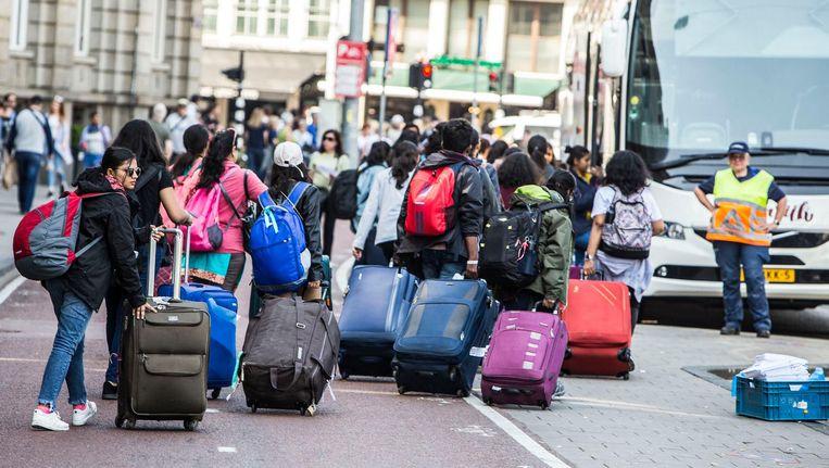 Het indammen van de drukte is kostbaar. De coalitie stelt een verhoging van de toeristenbelasting naar 7 procent in de hele stad voor. Beeld Amaury Miller