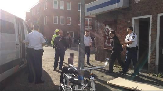 De krakers lieten zich gewillig meenemen door de politie.