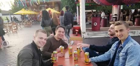 Feestvierders naar de stad met bier van de supermarkt: 'Wil geen 50 euro per dag armer zijn'