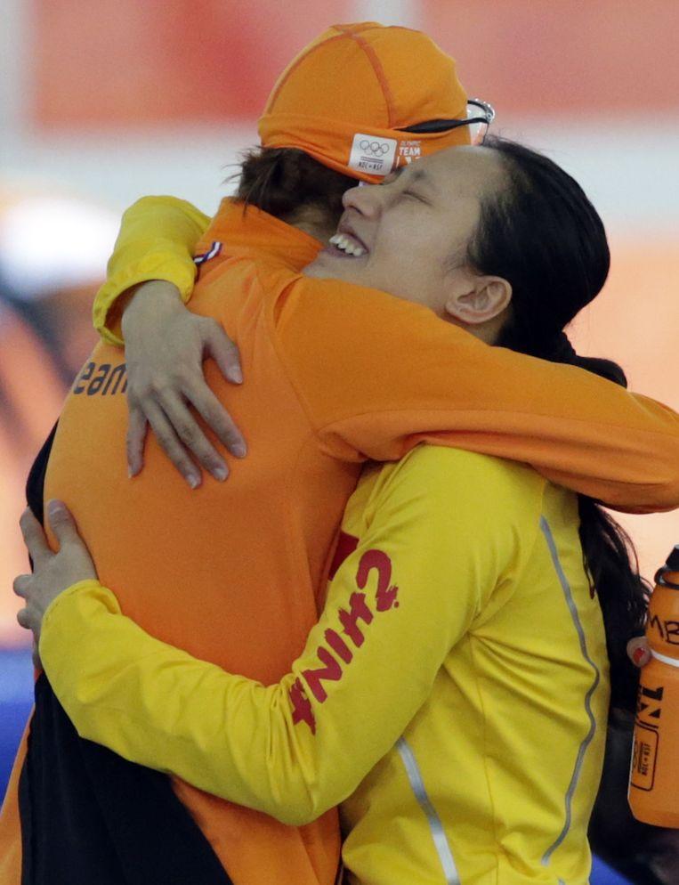 Margot Boer feliciteert kampioene Hong Zhang Beeld ap