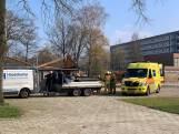 Man valt van schuur op schoolplein Oldenzaal