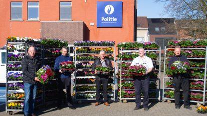 """Lokale Politie Noorderkempen letterlijk in de bloemetjes gezet: """"Politie betekent op sociaal vlak ook enorme meerwaarde"""""""