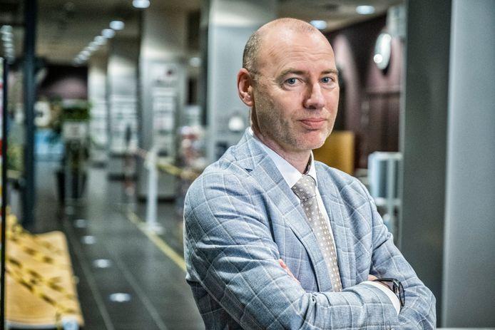 Dirk Ramaekers, medisch directeur van het Jessa Ziekenhuis in Hasselt, leidt de taskforce voor de vaccinatiestrategie.