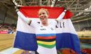 Wild viert haar gouden plak op het EK baanwielrennen in 2018.