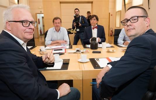 Peter Mertens, président du PTB, Paul Magnette, Elio Di Rupo et Raoul Hedebouw