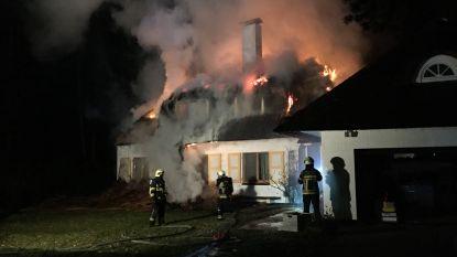Zware brand in villa met rieten dak in Kalmthout