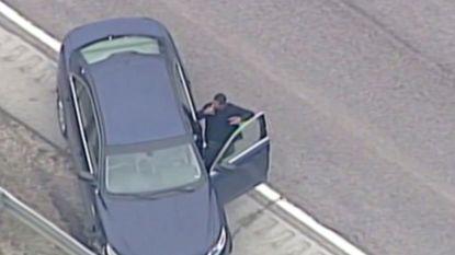 Autodief steekt sigaret op tijdens zijn arrestatie