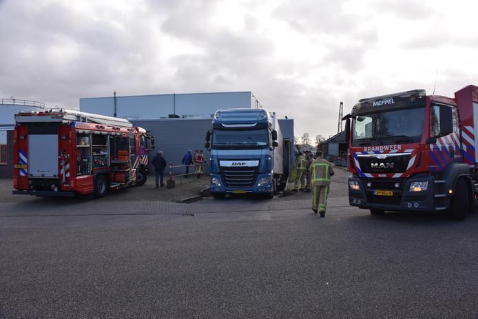 De vrachtwagen lekte diesel in een laaddok bij een bedrijf aan de Pieter Mastebroekweg in Meppel.