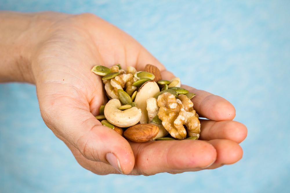 Met een handje noten kun je er weer even tegenaan.