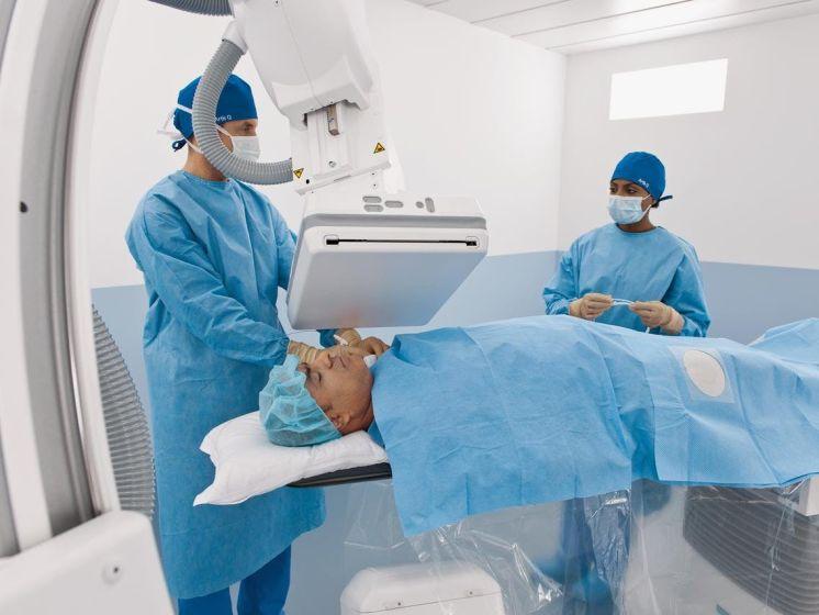 Zo ziet een hybride operatiekamer eruit