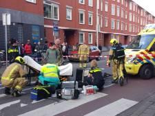 Fietsster zwaargewond na aanrijding op Hoefkade