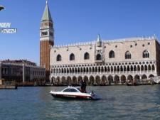 Tsjechische naaktzwemmers beboet in Venetië