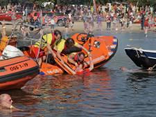 Reddingsbrigade Oss zet zes ervaren leden in het zonnetje met vrijwilligersmedaille