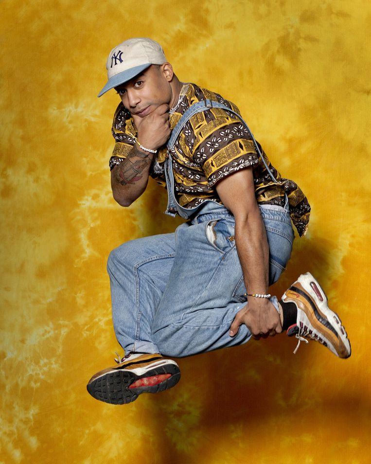 Wilson Almeida Duarte draagt een shirt gemaakt op Kaapverdische bodem. Beeld Maartje Geels