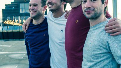 """""""Kledinglijn begon als hobby, nu willen we ook Frankrijk en Duitsland veroveren"""": vier vrienden achter 'STRØM' verklaren het succes"""