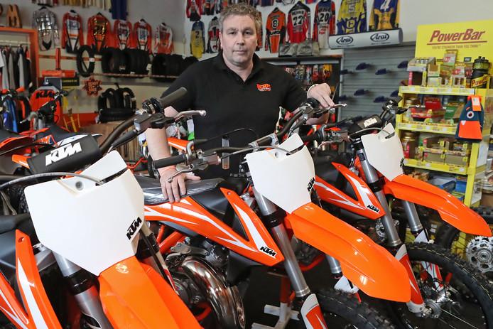 Andre Pullen van WPM Motors waar 9 motorfietsen en 25 helmen werden buitgemaakt bij een inbraak.