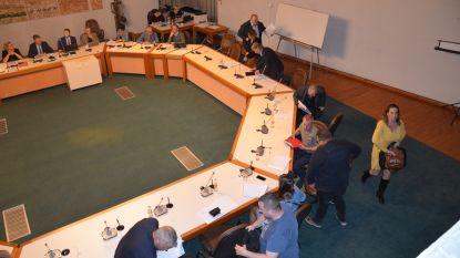 Schepen afwezig en oppositie stapt op: gemeenteraad kan niet doorgaan
