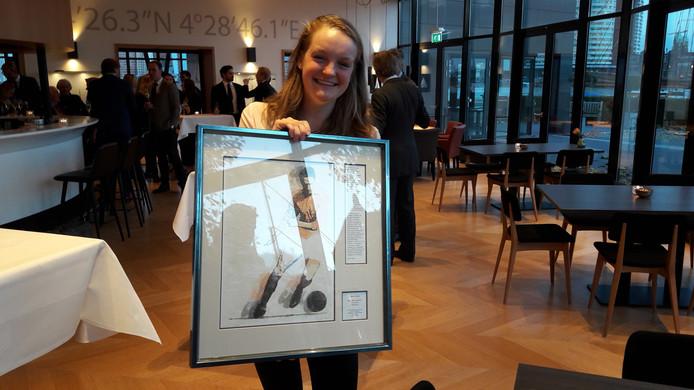Marieke Keijser met de Faas Wilkes Sportprijs.