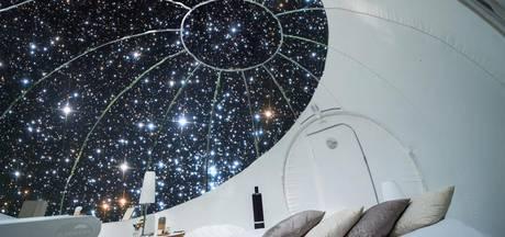 Slaap onder de sterren op 85 meter hoogte