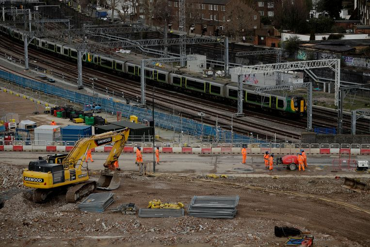 Een bouwplaats van de HS2 bij Euston station in Londen. Beeld AP