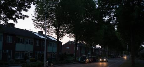 Tachtig gemeenten 's avonds in het donker door storing met lantaarnpalen