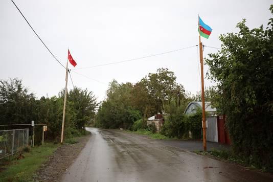Drapeaux turc et azerbaïdjanais dans le Haut-Karabakh
