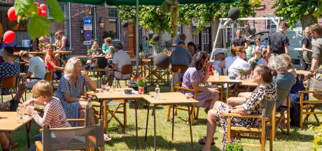 Maand langer grotere terrassen in Moerdijk, Etten-Leur beraadt zich nog