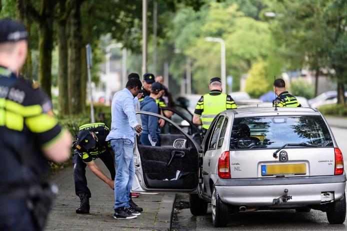 Met verscherpt toezicht probeert de gemeente de wijken Stokhasselt en Vlashof leefbaarder te maken.