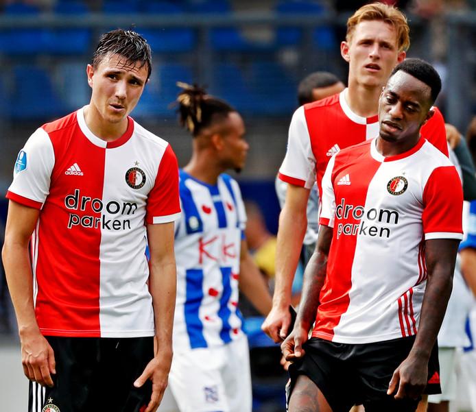 Steven Berghuis, Wouter Burger en Ridgeciano Haps beseffen dat Feyenoord dure punten laat liggen in Heerenveen.
