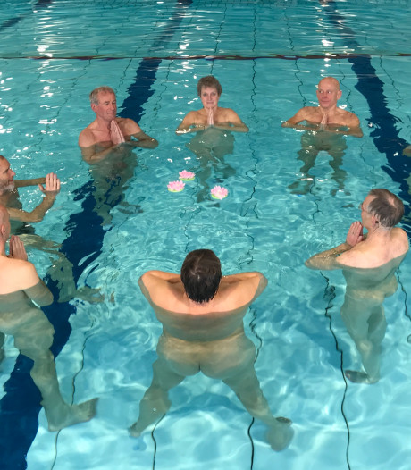 'Blote Plons': naaktzwemmen is spetterend succes in Deventer