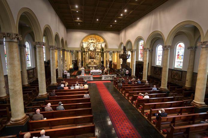 De Bartholomeuskerk in Beek in vervlogen tijden. De kerk is nu in handen van de Nijmeegse projectontwikkelaar Ton Hendriks.