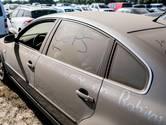 Oeps! Automobilist laat autoraampje open staan bij de Zwarte Cross