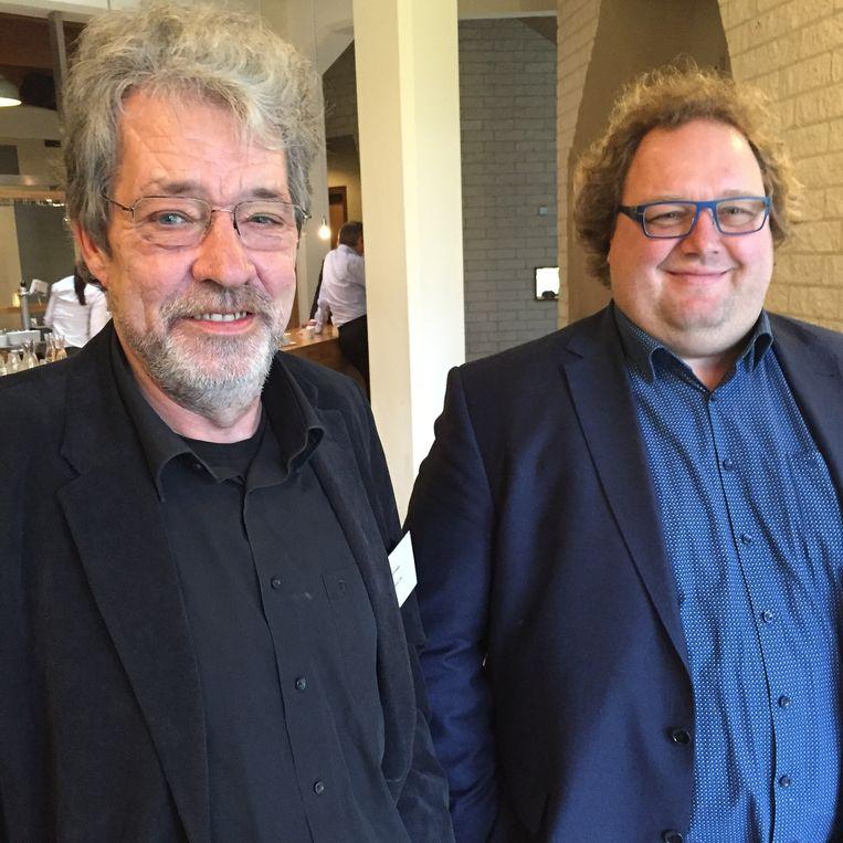 Wethouder Hemmes en waarnemend burgemeester Kuin uit Pekela Beeld null