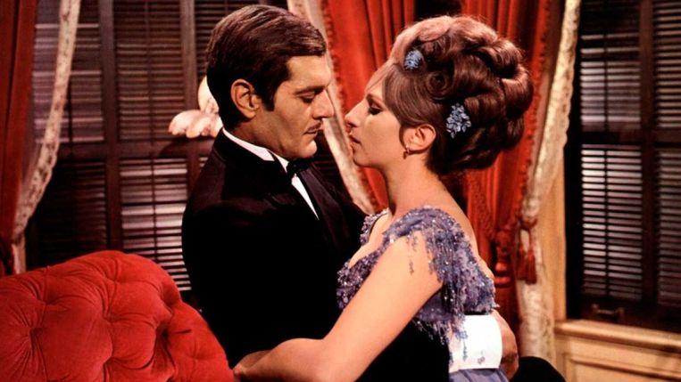 Omar Sharif en Barbra Streisand in Funny Girl van William Wyler. Beeld