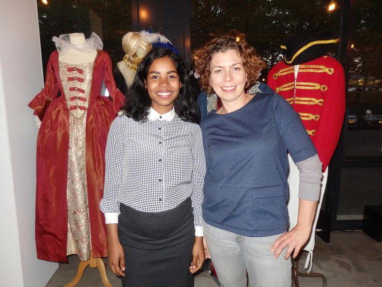 Imara Limon en Anna Brolsma van het Amsterdam Museum. Wordt hier de geschiedenis herschreven? 'Ja!' Beeld Hans van der Beek