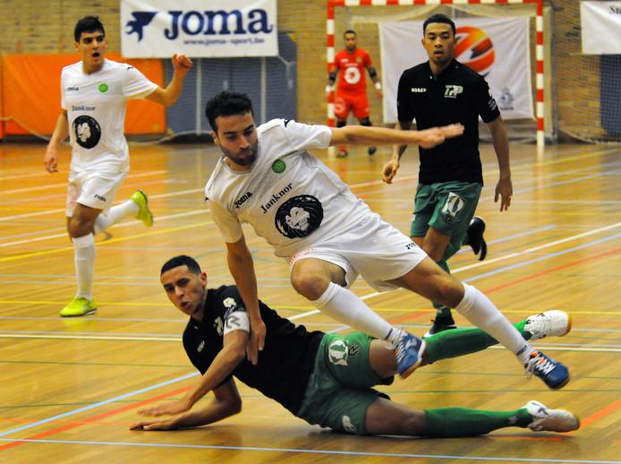 Hoessein Bouzambou reist begin januari met Groene Ster naar Marokko. Broer Saïd (links) ontbreekt dan vanwege verplichtingen bij het Nederlands team.