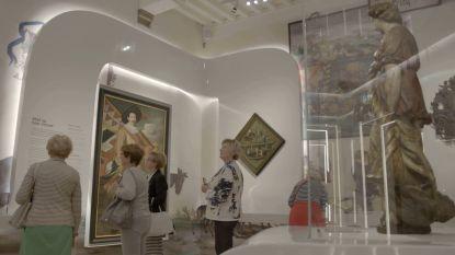 Met de organisatie Pasar naar het museum Hof van Busleyden