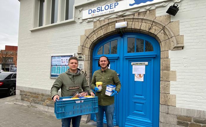 Mathieu overhandigde vandaag kilo's broodbeleg aan De Sloep.