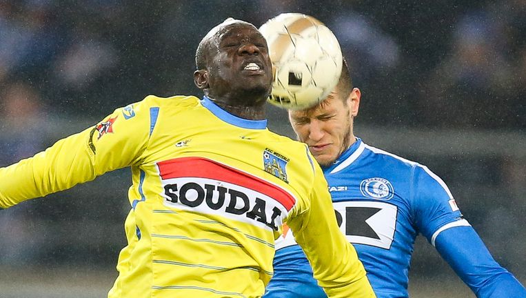 Diagne moet drie speeldagen brommen voor een niet opgemerkte elleboogstoot tegen AA Gent.