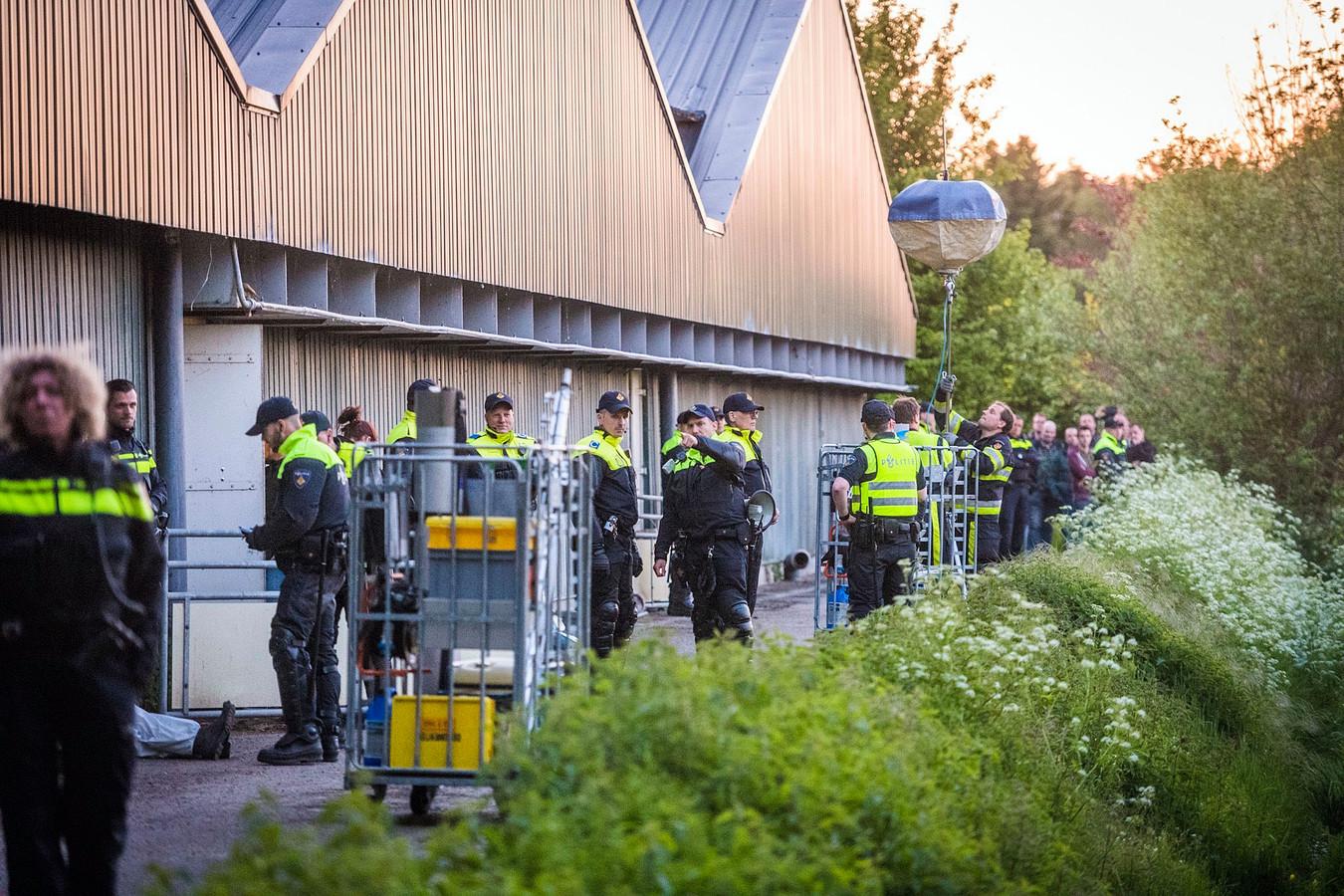 Politie bij de bezette boerderij in Boxtel