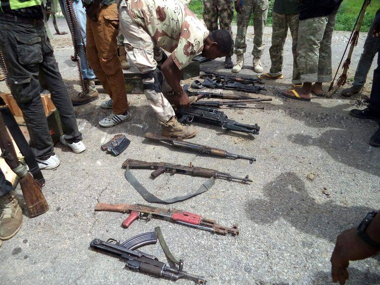 In beslag genomen wapens van Boko Haram (2016). Beeld ANP