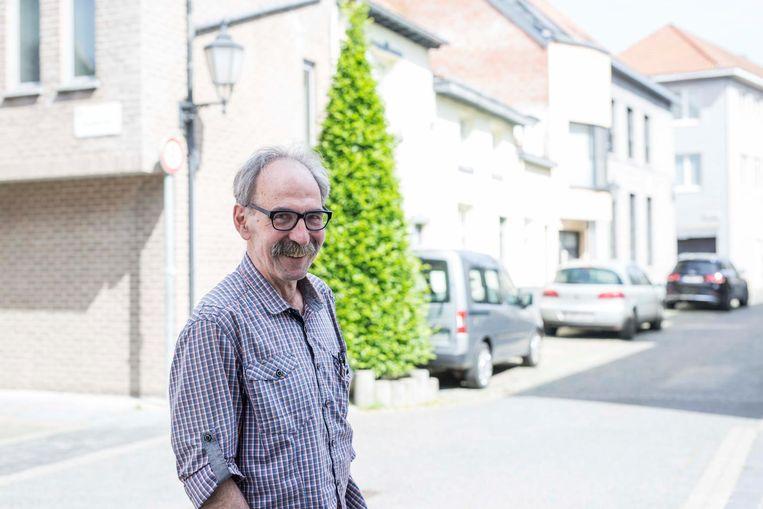 Professor Willy Miermans dokterde een oplossing uit voor de drukke verkeersader.