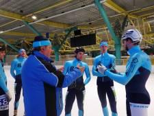 Livestream als 'stiekeme' oplossing voor schaatscoach Van den Hoogen