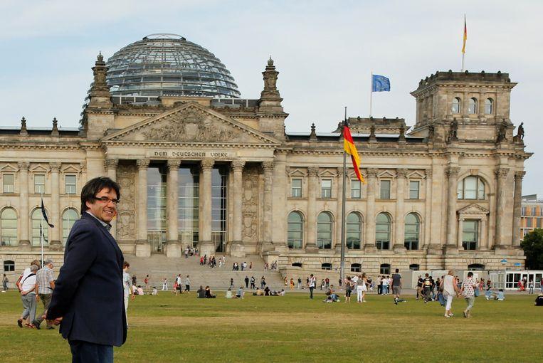 Puigdemont verblijft momenteel in Berlijn, waar hij voorlopig ook nog op vrije voeten kan blijven.