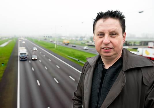 Verkeerspsycholoog Gerard Tertoolen legt uit dat je in shock door kunt rijden na een ongeval.