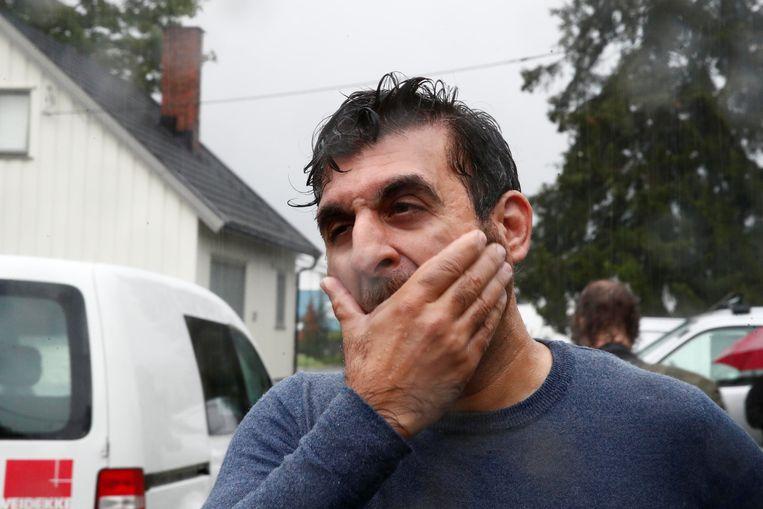 Hoofd van de moskee Irfan Mushtaq was getuige.